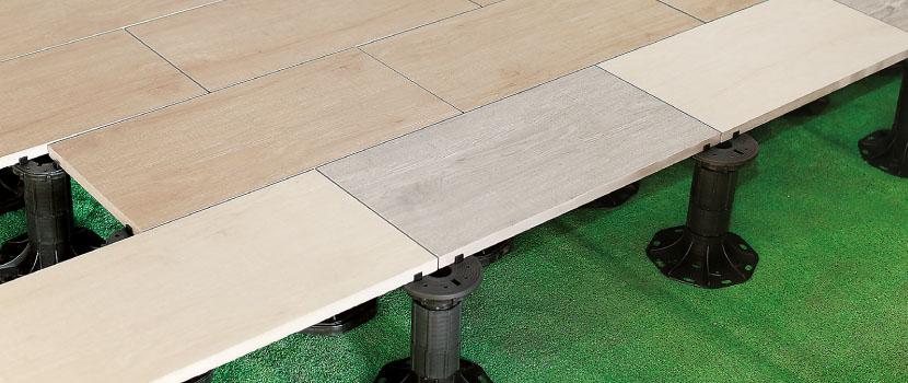 ウッドデッキタイル20mm 施工例 レベリングシステムでデッキ施工